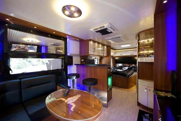 geschafft der innenraum campinglaune. Black Bedroom Furniture Sets. Home Design Ideas